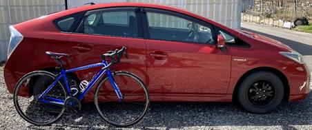 ロードバイクをそのまま積めて、燃費が良い車とは?